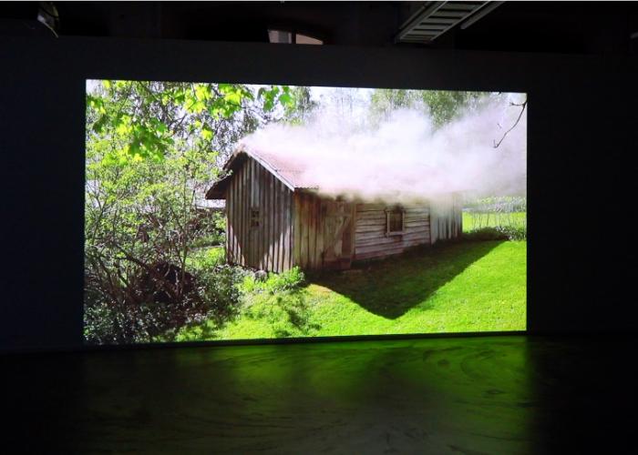 Saunassa Syntyneet – Video Installations